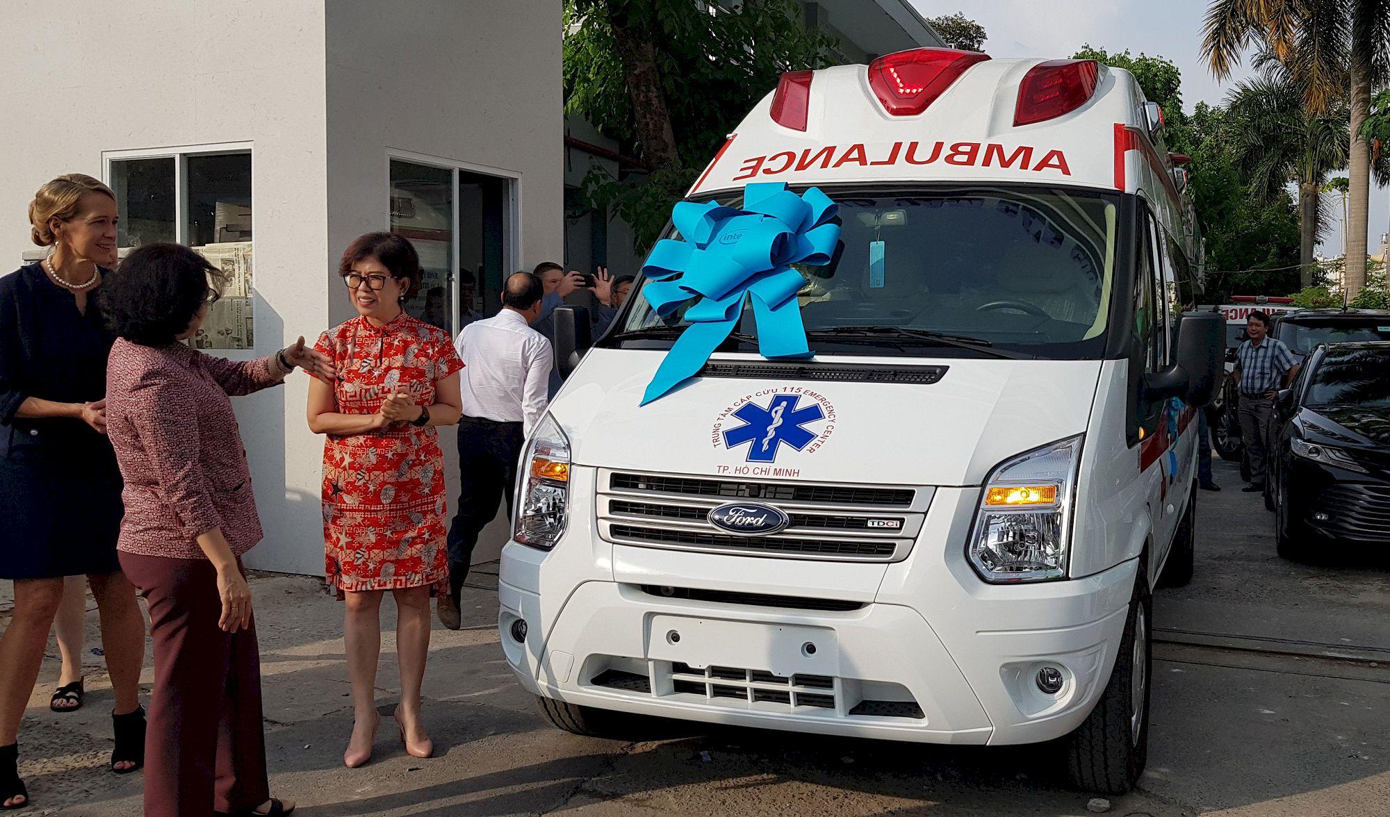 Hà Nội Ambulances tự hào là nhà cung cấp xe cứu thương cho Hiệp hội Thương mại Mỹ