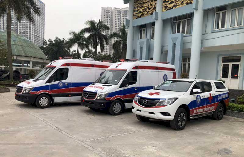 Công ty TNHH Hà Nội AMBULANCES và UBND tỉnh Quảng Ninh bàn giao 3 xe cứu thương, phòng dịch tiêu chuẩn quốc tế cho ngành Y tế